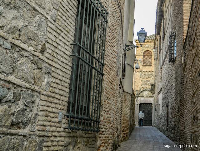 Uma rua na Judería de Toledo, Espanha