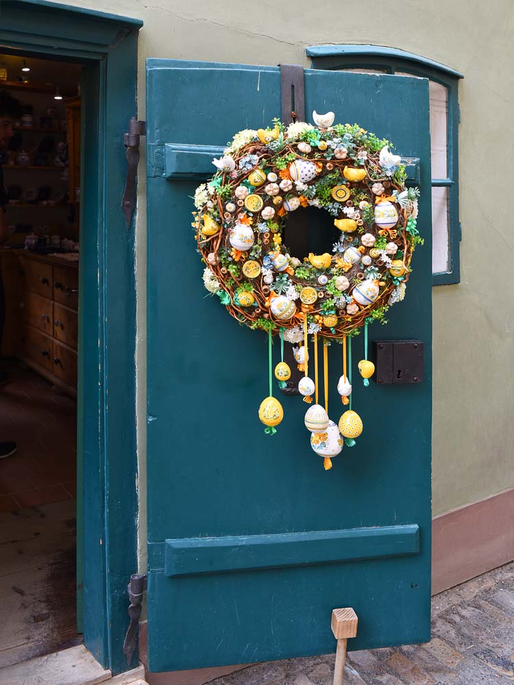 Golden Lane Alchemist Alley Door and wreath Prague