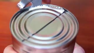 Tutorial Cara Membuat Tempat Makan Burung dari Kaleng Bekas