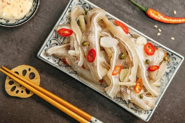 Cách làm món tai lợn ngâm giấm lai rai chống ngán ngày Tết