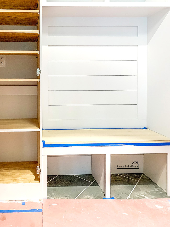 how to build and install a little bench in a mudroom