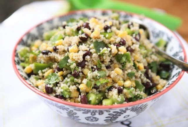 Black Bean and Sweet Corn Quinoa Salad #vegan #salad