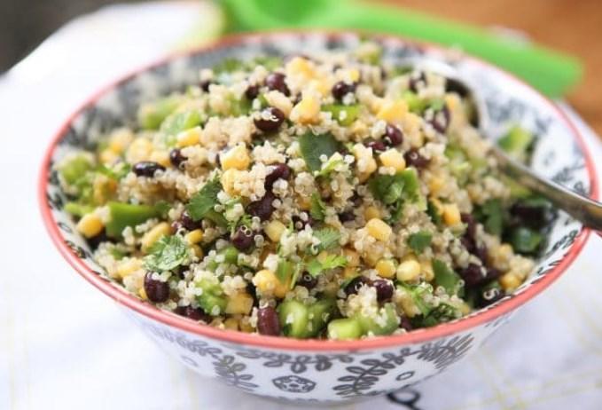 Black Bean and Sweet Corn Quinoa Salad #vegan #salad