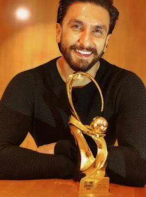Ranveer Singh Bagged Best Actor in a Leading Role! at Zee Cine Award