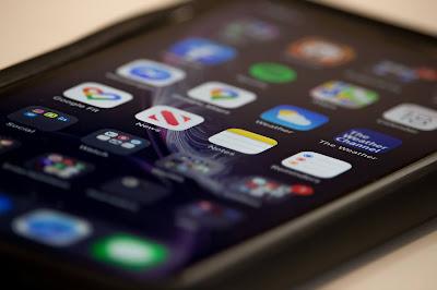 أربع استراتيجيات تسويقية لزيادة تنزيلات تطبيقك من متاجر التطبيقات