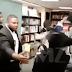 Ativistas invadem festa de estreia do livro autobiográfico do Gucci Mane
