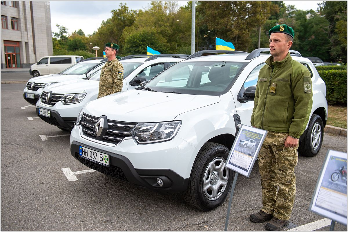 Прикордонники отримали нові автомобілі та мотоцикли