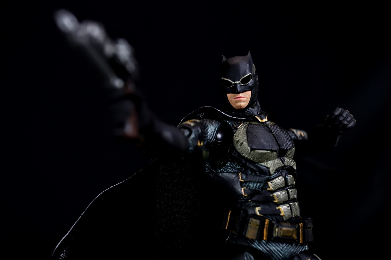 MAFEX No.64 BATMAN TACTICAL SUIT Ver (Justice League)