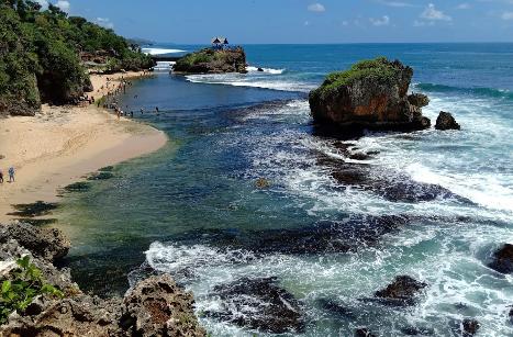 Wisata Pantai Kukup Gunungkidul Jogja