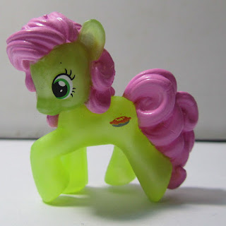 MLP Possible Wave 17 Peachy Sweet Blind Bag