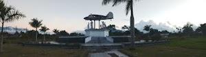 Berburu Takjil Buka Puasa Di Kawasan Monumen Avro Anson Dekat Bukittingi