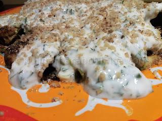 Гриловани тиквички с кисело мляко и орехи - рецепта