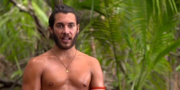 Survivor 4: Ενοχλημένος ο Γιώργος Ασημακόπουλος με τον Κόρο - «Δεν δίνει ούτε του αγγέλου του νερό»