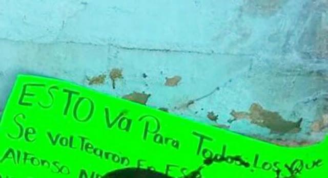 """El Cártel de Sinaloa """"Gente del Benny"""" deja cartulina con decapitado """"esto va para todos los que se voltearon los hombres no hacen eso"""""""