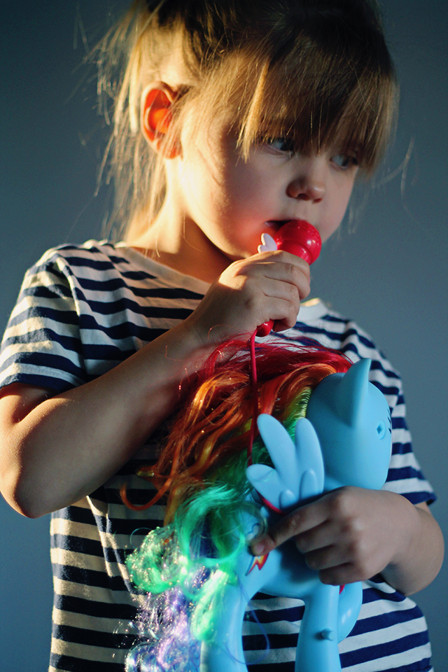 review zingende rainbow dash my little pony liefde
