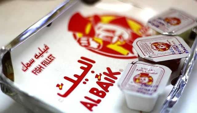 AlBaik donates 10,000 meals daily in Jeddah neighborhood after Lockdown of 24 Hours - Saudi-ExpatriatesCom