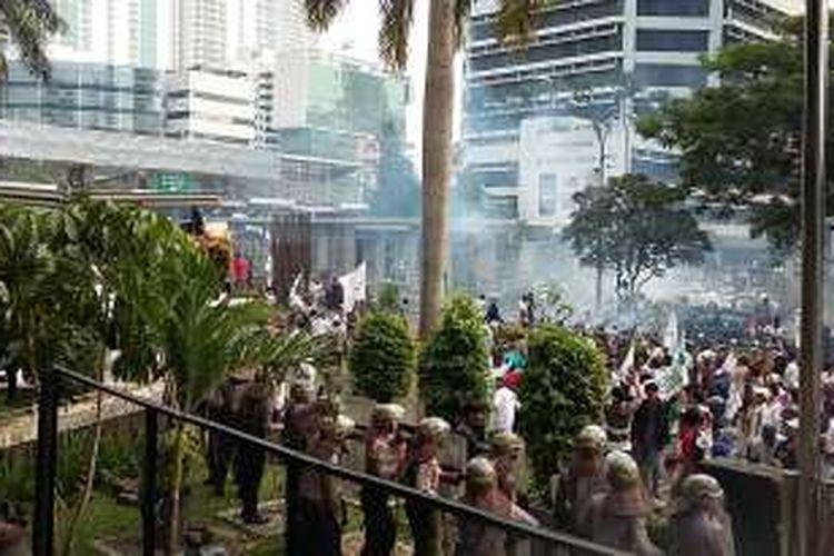 Ini Kronologi Demo Berujung Ricuh di Depan Gedung KPK