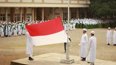 Upacara Bendera Ponpes Thohir Yasin Lendang Nangka Cerminkan Santri Pancasilais