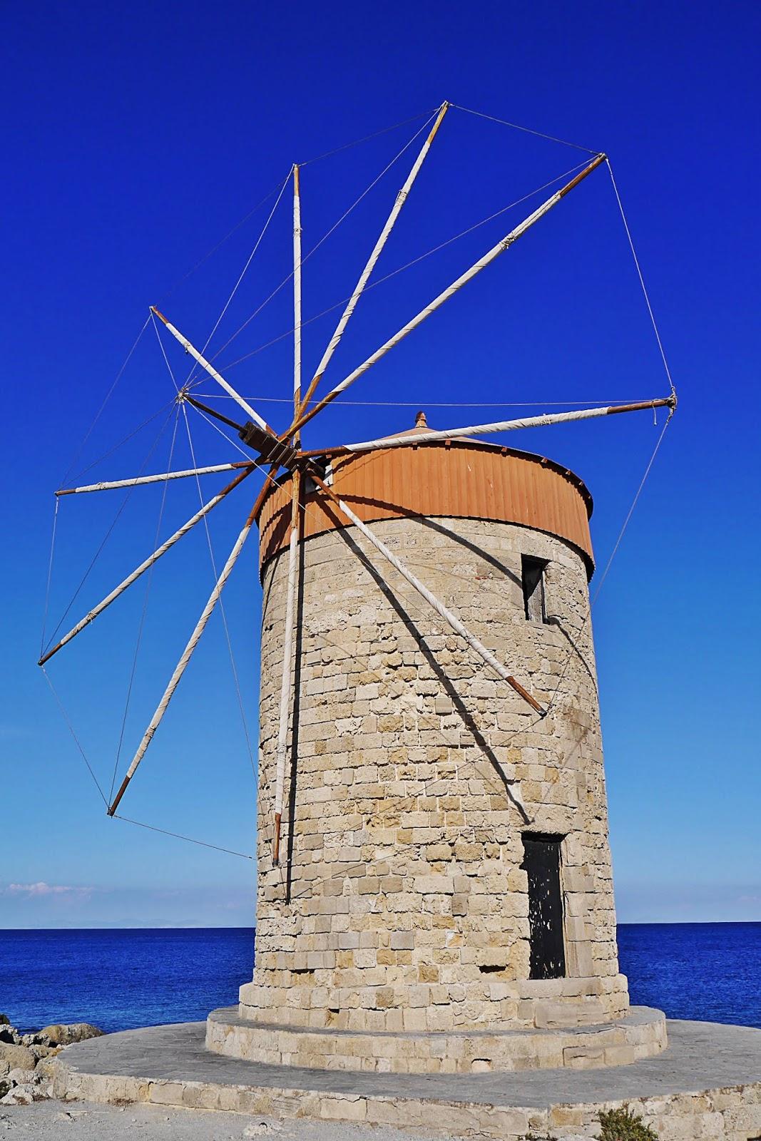 wiatrak rodos rhodes port grecja  podróż poślubna karyn blog modowy