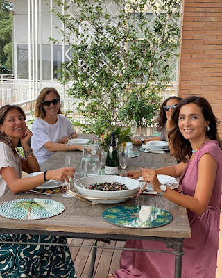 Caterina Balivo pranzo con le amiche di sempre oggi 21 settembre
