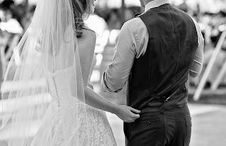 bermimpi menikah dengan pacar sendiri