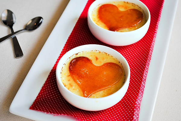 """что приготовить на день Влюбленных, блюда в виде сердца на день влюбленных, лучшие рецепты на день влюбленных, блюдо для любимого, блюдо для любимой, 14 февраля, День Влюбленных, День Святого Валентина, рецепты на Жень Влюбленных, советы на День Влюбленных, валентинки съедобные, валентинки, сердце, любовь, кулинария, блюда в виде сердца, блюда на День Влюбленных, ужин романтический, романтика, блюда """"Сердце"""", сердечки, рецепты кулинарные, советы кулинарные, Розы-безе с клубничным ганашем Вишневый винный мармелад, Клубничный зефир по-домашнему, Шоколадно-клубничные сердечки День св. Валентина — подборка праздничных рецептов и идейблюда """"Сердце"""", карпмель, блюда на День Влюбленных, десерты, крем-брюле, крем заварной, десерты с карамеллью, десерты кремовые, десерты с кремом, блюда с карамелью, десерты """"Сердце"""", http://eda.parafraz.space/"""