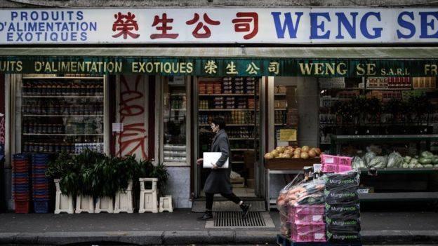 'Hãy giữ chặt con virus của mày, đồ Trung Quốc bẩn thỉu'