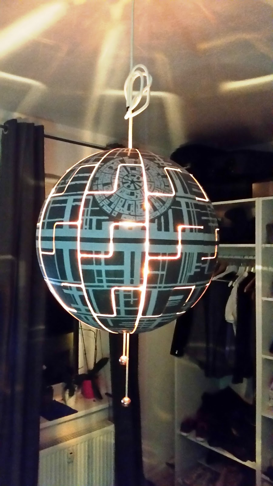 lylelo ikea hack ps 2014 todesstern lampe death star. Black Bedroom Furniture Sets. Home Design Ideas