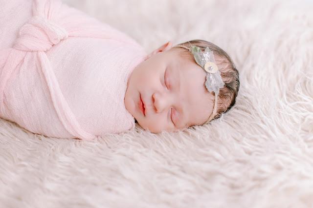spotted stills, newborn, newborn photography, portland newborn, portland newbornphotography, natural light newborn, in home newborn photographer, jenn pacurar