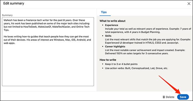 """حدد """"حفظ"""" لحفظ التغييرات التي تم إجراؤها على قسم في شاشة أداة إنشاء السيرة الذاتية في LinkedIn."""