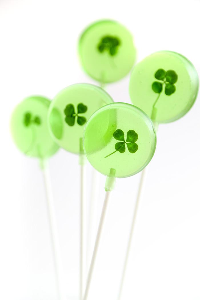 Lucky Four Leaf Clover Lollipops Sprinkle Bakes