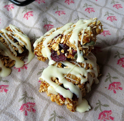 White Chocolate and Cranberry Granola Bars