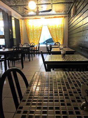 Bahamian Cookin' Restaurant - curiousadventurer.blogspot.com
