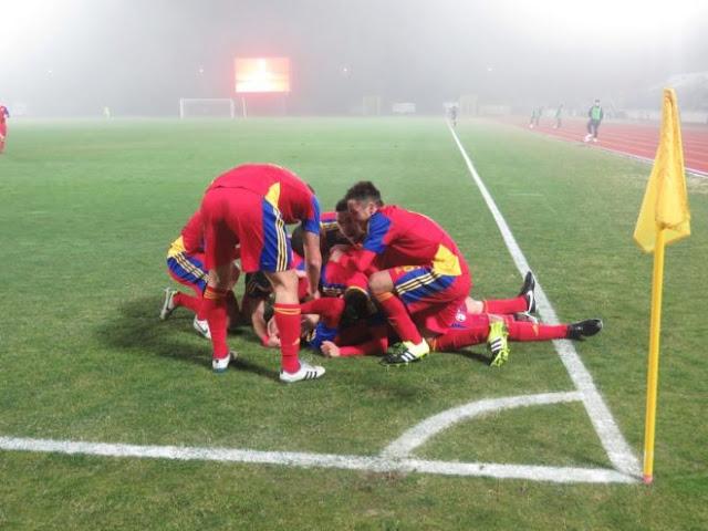 La selección de futbol de Andorra celebra un triunfo contra San Marino, su primera victoria en 13 años.