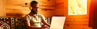 Homme, travail en ligne, 2 sites pour transcrire et gagner en ligne