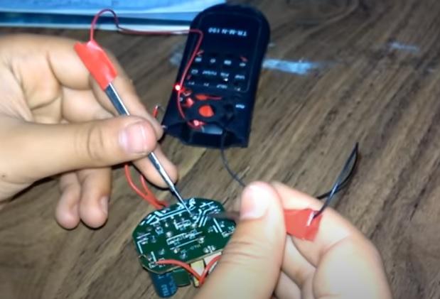جهاز أميتر لقياس التيار