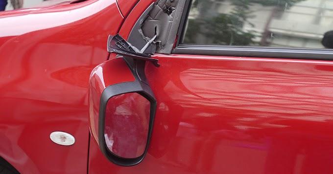 Λαμία: 15χρονος Ρομά έσπασε τους καθρέφτες από τουλάχιστον 11 αυτοκίνητα