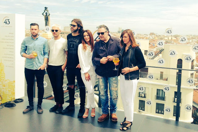"El cielo de Madrid te espera con ""43 LIVE THE ROOF""."
