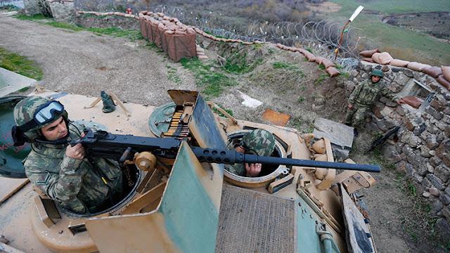 Turquía envía más tanques a las fronteras sirias