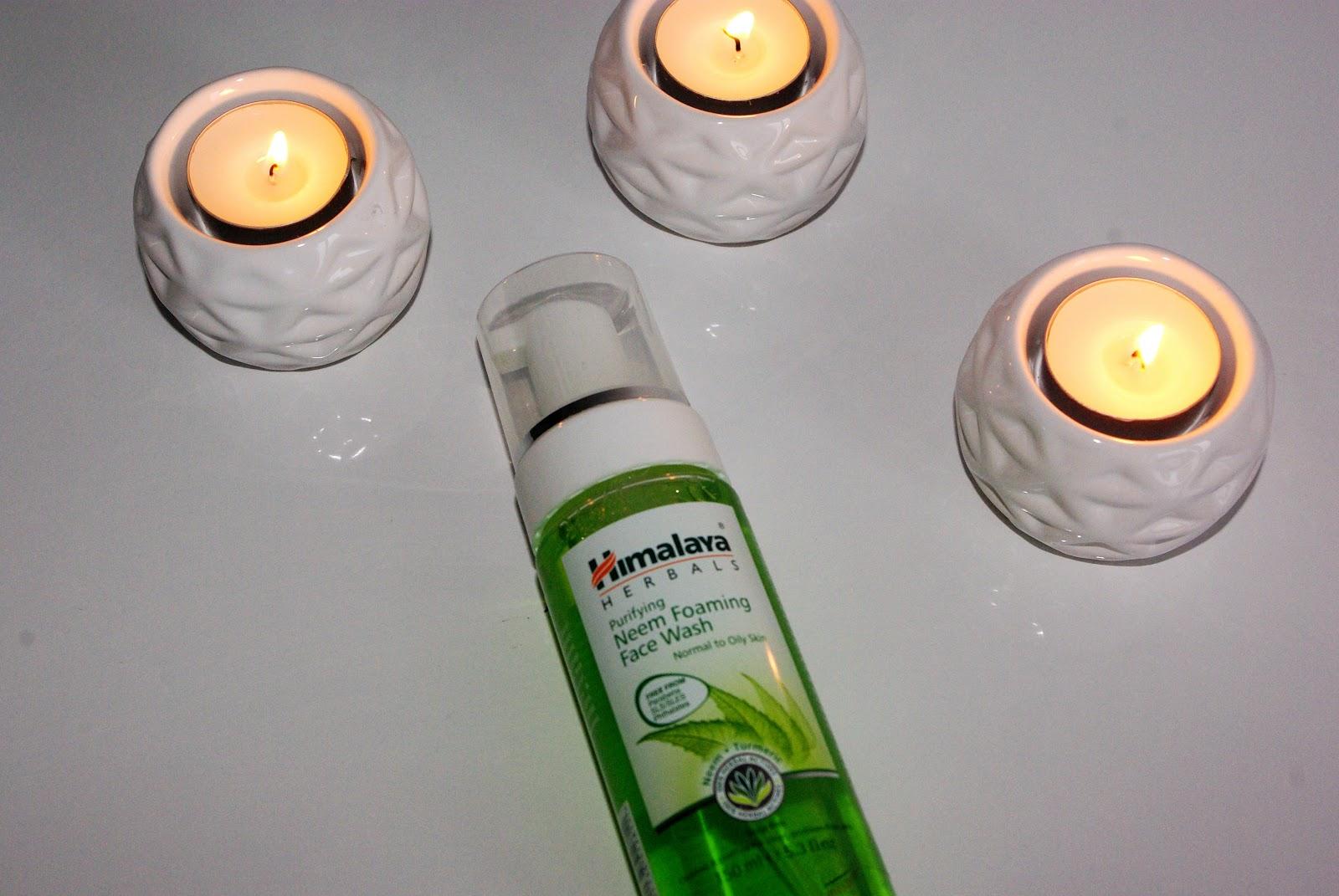 Pianka do mycia twarzy Himalaya Herbals.