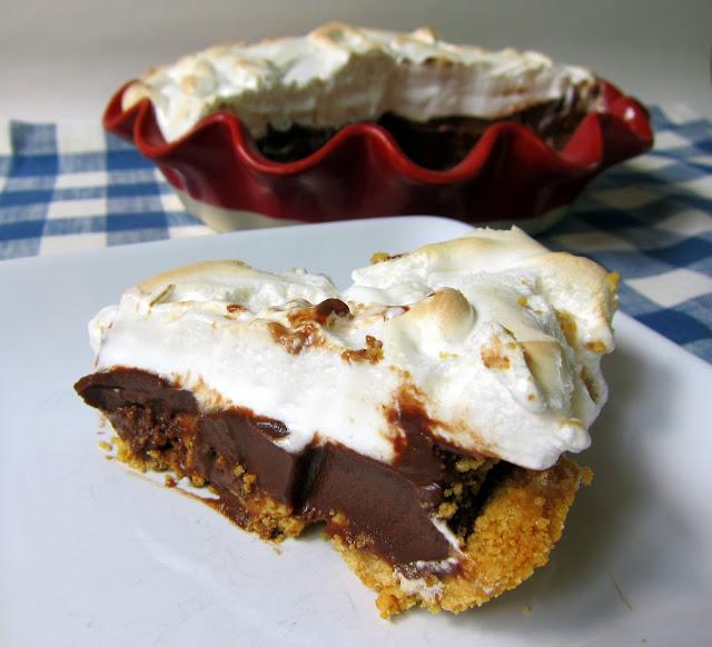 S'mores Pie | 26 Homemade Pie Recipes for Thanksgiving