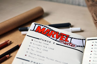 bullet journal art journal filmy marvel do obejrzenia