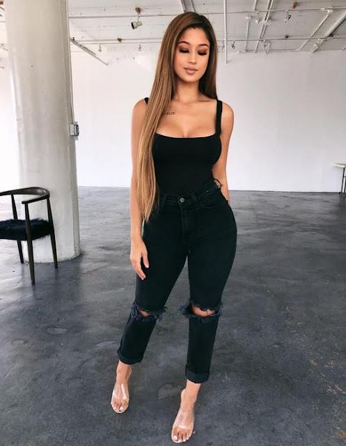 outfits con jeans negro y tacones