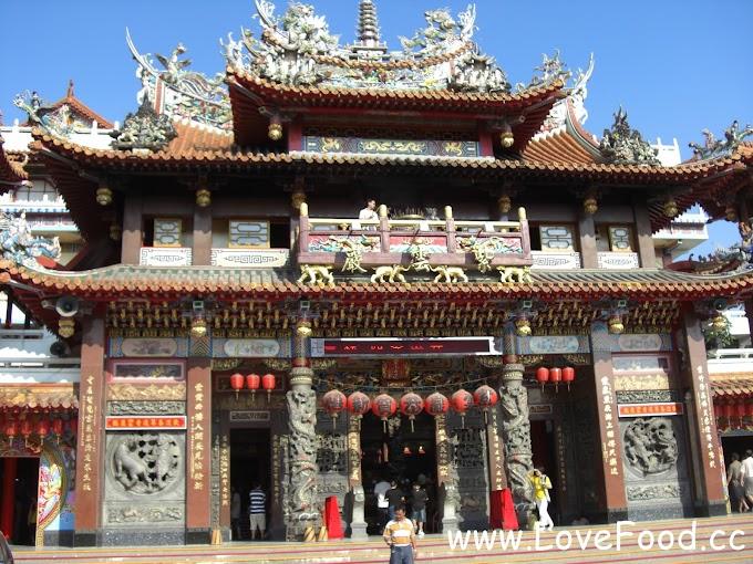 台中清水-紫雲巖-1662年落成的觀音廟 廟前廣場很多特色小吃-tzu yun yen