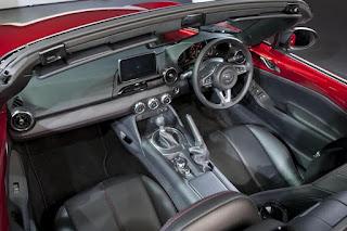 Mazda MX-5 (2016) Interior