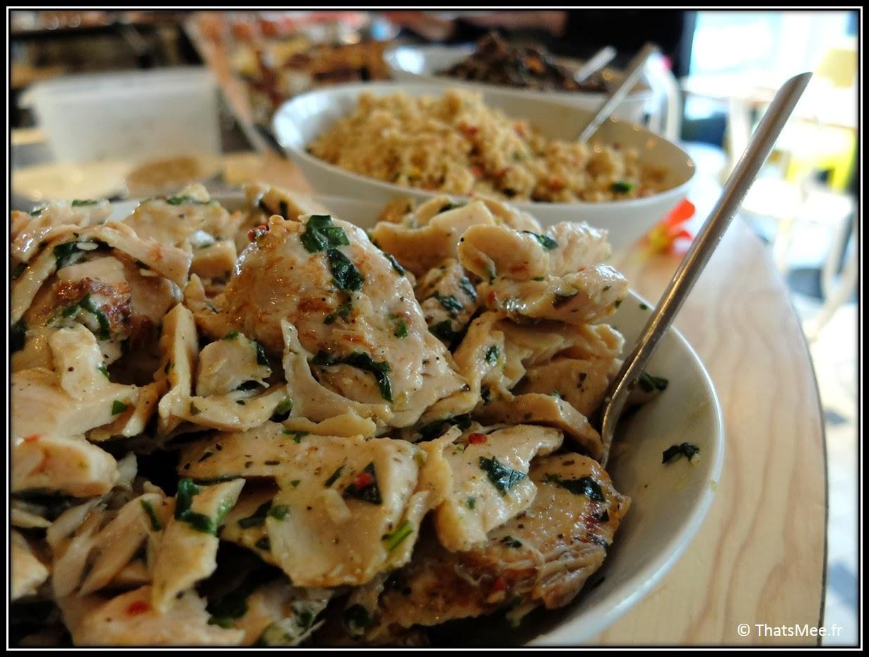 Salade de poulet Brunch Le Wood Paris Woodbar Marais place Thorigny, brunch a volonte Paris Marais Le Wood