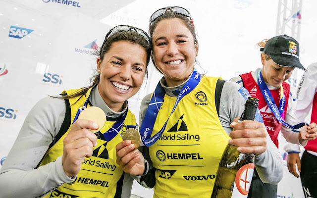 Fernanda Oliveira e Ana Barbachan em etapa da Copa do Mundo de vela