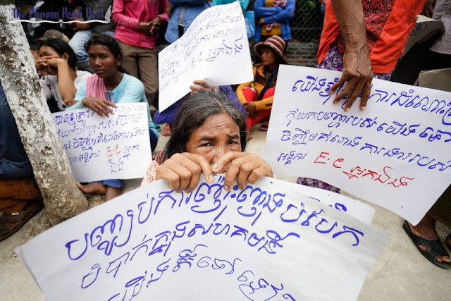 Villages from Kampong Speu protest outside the offices of Equitable Cambodia in Phnom Penh earlier this month. Hong Menea