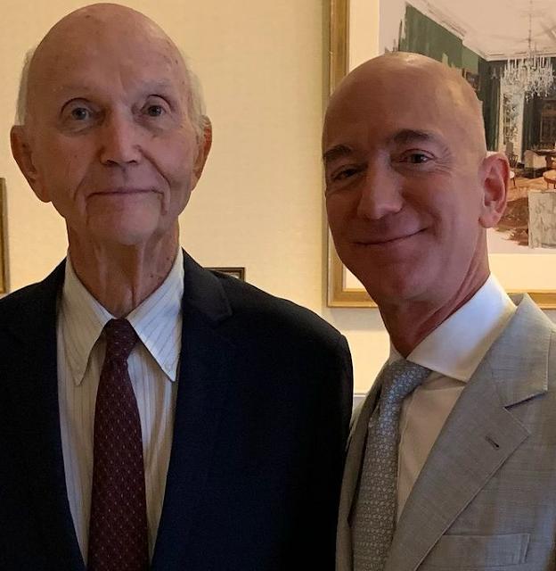 Jeff Bezos Age, Height, Weight, Net Worth, Wiki, Family, Wife, Bio