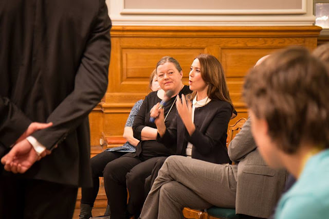 Princess Mary chaired a meeting on the rights of women in the presence of Foreign Minister Mogens Jensen.